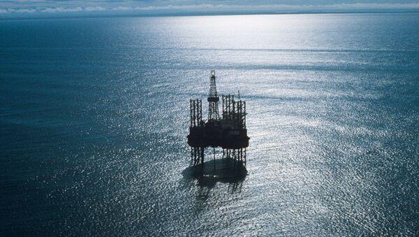 An Oka jackup floating drilling rig prospecting a shelf oil and gas field in the Sea of Okhotsk, Russian Far East - Sputnik International