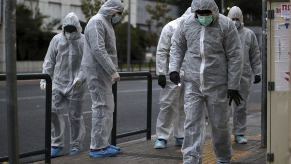 Greek police experts investigate the area in front of the Court of Appeal in Athens, Friday, Dec. 22, 2017 - Sputnik International