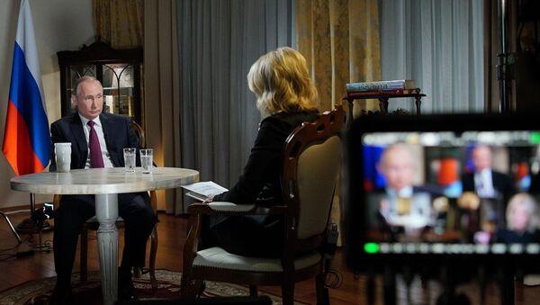 Russian President Vladimir Putin during an interview with NBC network anchor Megyn Kelly in Kaliningrad - Sputnik International