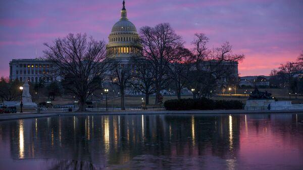 Dawn breaks over the US Capitol building in Washington DC - Sputnik International