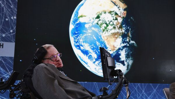 FILE PHOTO: Physicist Stephen Hawking sits on stage during an announcement of the Breakthrough Starshot initiative with investor Yuri Milner in New York April 12, 2016 - Sputnik International