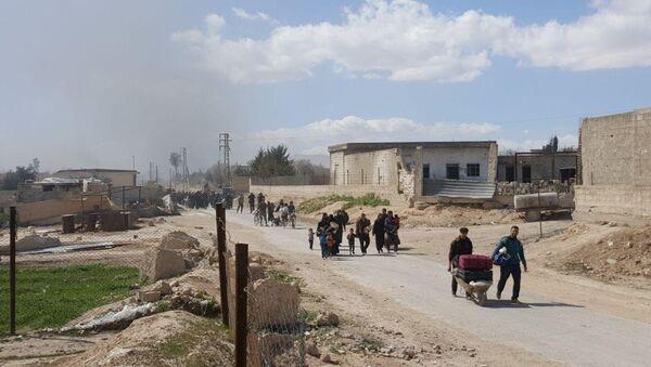Residents leave the territory of Eastern Ghouta - Sputnik International