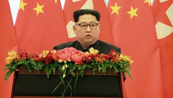 North Korean leader Kim Jong Un speaks as he paid an unofficial visit to Beijing, China in Pyongyang - Sputnik International