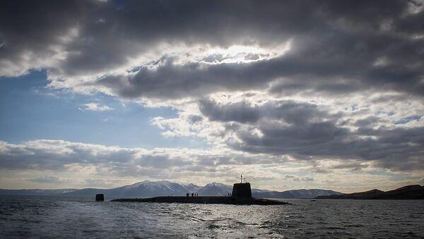Vanguard-class submarine HMS Victorious returning to her home port at HMNB Clyde, Faslane, Scotland. (File) - Sputnik International
