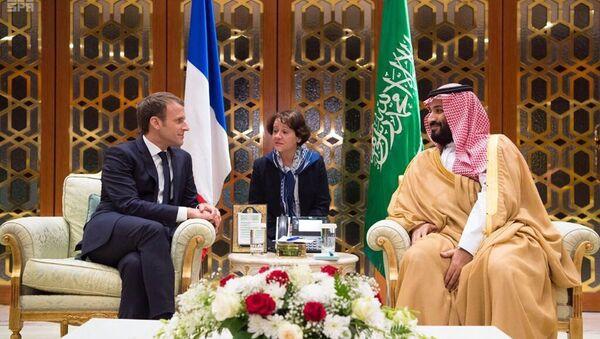 In this Thursday, Nov. 9, 2017, photo released by Saudi Press Agency, SPA, Saudi Crown Prince Mohammed bin Salman, right, meets with French President Emmanuel Macron upon his arrival in Riyadh, Saudi Arabia - Sputnik International