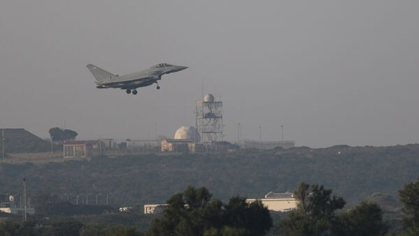 REMOVING FRENCH FROM DESCRIPTION A fighter jet prepares to land at RAF Akrotiri, a military base Britain maintains on Cyprus, April 14, 2018 - Sputnik International
