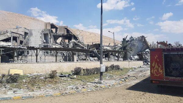Aftermath of attack on the Barzah scientific research center near Damascus, April 14, 2018 - Sputnik International