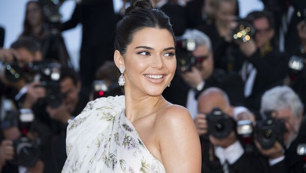 Kendall Jenner poses for photographers upon arrival at the screening of the film 120 Beats Per Minute at the 70th international film festival, Cannes, southern France, Saturday, May 20, 2017. - Sputnik International