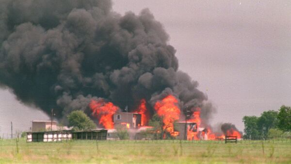In this April 19, 1993 file photo, flames engulf the Branch Davidian compound in Waco, Texas - Sputnik International