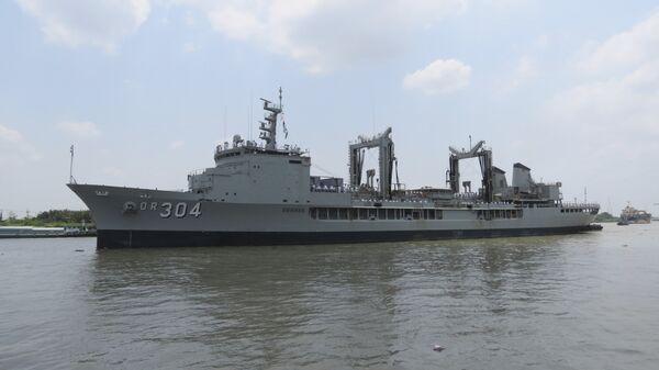 In this Thursday, April 19, 2018, photo, Royal Australian Navy frigate HMAS Success prepares to dock at Saigon port in Ho Chi Minh City, Vietnam - Sputnik International