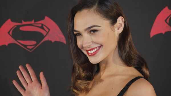 Israeli actress Gal Gadot poses for photos during a press conference to promote the movie: Batman v Superman: Dawn of Justice in which she plays the roles of super heroine Wonder Woman, and secret alter-ego Diana Prince, in Mexico City, Saturday, March 19, 2016 - Sputnik International