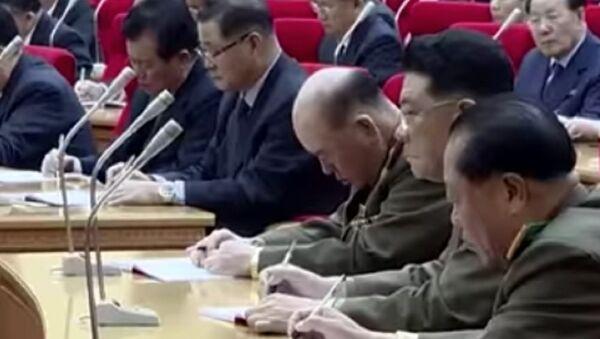 North Korean general Ri Myong-su appears to nap during a meeting - Sputnik International