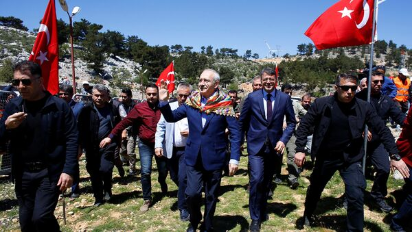 Kemal Kilicdaroglu, leader of Turkey's main opposition Republican People's Party (CHP), arrives at a nomads congress near the southern town of Silifke in Mersin province, Turkey April 22, 2018 - Sputnik International