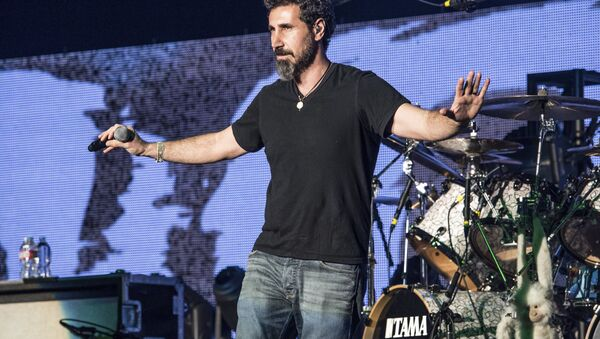 Serj Tankian of System of a Down performs at the 25th Annual KROQ Almost Acoustic Christmas on Dec. 13, 2014, in Inglewood, Calif - Sputnik International
