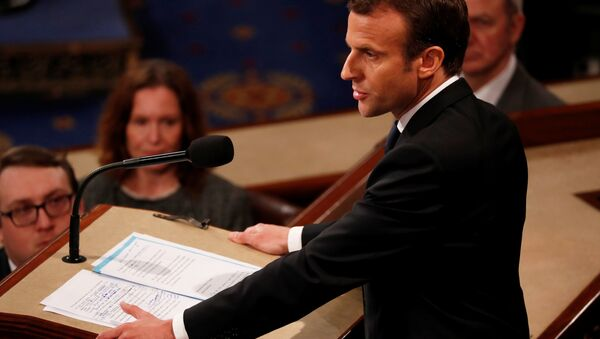 Hand written edits can he seen on French President Emmanuel Macron's speech as he addresses a joint meeting of the U.S. Congress in the House chamber of the U.S. Capitol in Washington, U.S., April 25, 2018 - Sputnik International