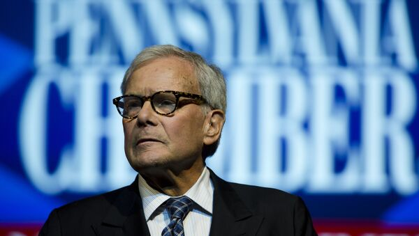 Tom Brokaw speaks at the Pennsylvania Chamber of Business and Industry annual dinner Monday, Sept. 22, 2014, in Hershey, Pa. - Sputnik International