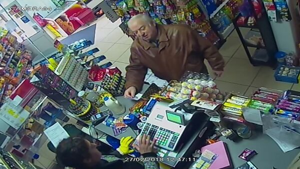 In this Feb. 27, 2018 grab taken from CCTV video provided by ITN on Wednesday, March 7, 2018 , former spy Sergei Skripal shops at a store in Salisbury, England - Sputnik International