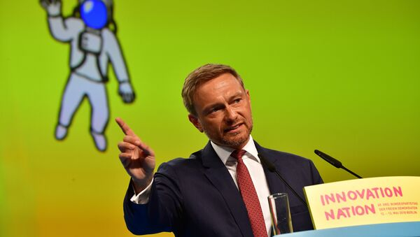 Christian Lindner, chairman of Germany's liberal Free Democratic Party (FDP), makes a point during his speech at a party congress in Berlin on May 12, 2018 - Sputnik International