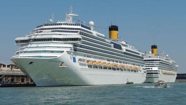 Costa Fascinosa and Costa Magica cruise liners - Sputnik International