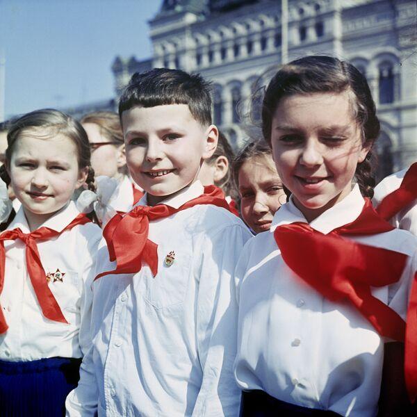 Nostalgia: Soviet Pioneers' Day Back in USSR - Sputnik International
