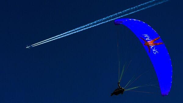 Touch the Sky: Paragliders Practice in Stubaital, Austria - Sputnik International