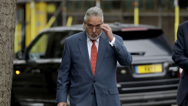 F1 Force India team boss Vijay Mallya arrives for a hearing for his extradition case at Westminster Magistrates Court in London, Friday, April 27, 2018 - Sputnik International