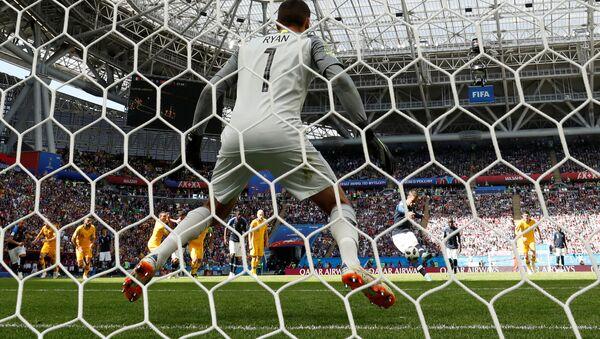 Soccer Football - World Cup - Group C - France vs Australia - Kazan Arena, Kazan, Russia - June 16, 2018 France's Antoine Griezmann scores their first goal from a penalty - Sputnik International