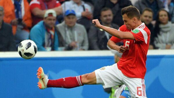 Futbolista Denis Cherishev de la seleccion rusa - Sputnik International