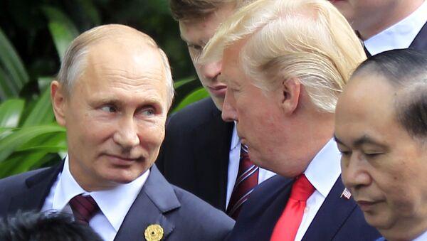 Wladimir Putin und Donald Trump bei ASEAN-Gipfel in Danang - Sputnik International