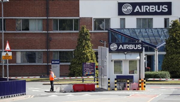 A security guard stands at the entrance to Airbus' wing assembly plant at Broughton, near Chester, Britain, June 22, 2018 - Sputnik International