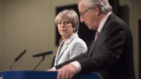 Prime Minister Theresa May meets with European Commission President Jean-Claude Juncker in Brussels (FILE photo). - Sputnik International
