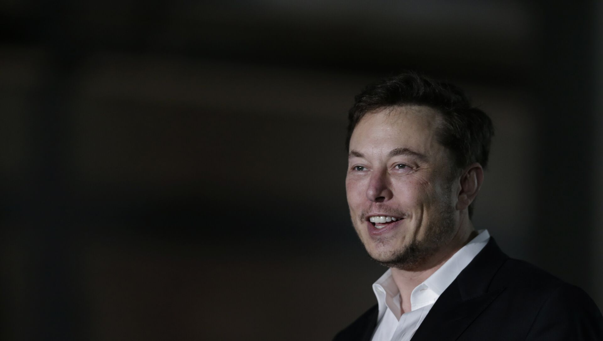 Tesla CEO and founder of the Boring Company Elon Musk speaks at a news conference, Thursday, June 14, 2018, in Chicago. The Boring Company has been selected to build a high-speed underground transportation system that it says will whisk passengers from downtown Chicago to O'Hare International Airport in mere minutes - Sputnik International, 1920, 29.07.2021