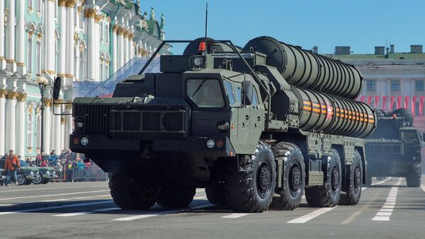 Transporters-launchers for S-400 Triumf missile systems at the final rehearsal of the military parade on St. Petersburg's Palace Square, which is timed to the 73rd anniversary of Victory in the Great Patriotic War - Sputnik International