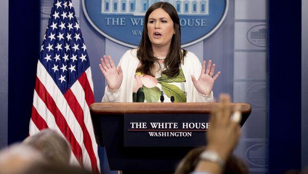 White House deputy press secretary Sarah Huckabee Sanders talks to the media during the daily press briefing at the White House in Washington - Sputnik International
