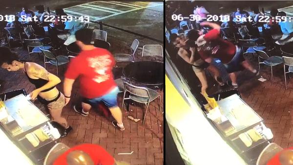 Georgia Waitress Slams Man Who Groped Her - Sputnik International