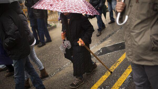 A woman with a walking cane (File) - Sputnik International
