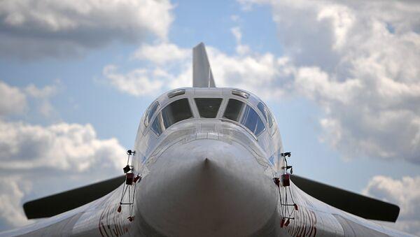A Tupolev Tu-160 supersonic heavy strategic bomber at the International Aviation and Space Salon MAKS-2017 in Zhukovsky - Sputnik International