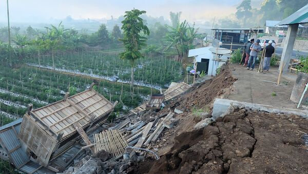 Damage is seen following an earthquake in Lombok, Indonesia, July 29, 2018 in this picture obtained from social media. - Sputnik International