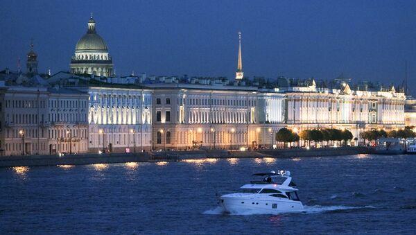 Midnight Journey: White Nights Season Starts in St. Petersburg - Sputnik International