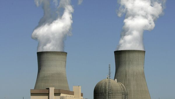 In this photo taken April 28, 2010, steam rises from the cooling towers of nuclear reactors at Plant Vogtle, in Waynesboro, Ga. - Sputnik International