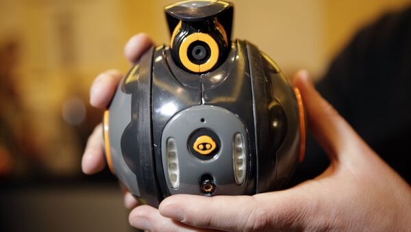 WowWee's Spyball, a Wi-Fi-enabled spycam robot, is shown at CES Unveiled, the official press event of the 2009 Consumer Electronics Show (CES), in Las Vegas, Tuesday, Jan. 6, 2009 - Sputnik International
