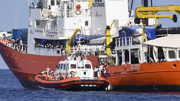 El barco de rescate Aquarius - Sputnik International