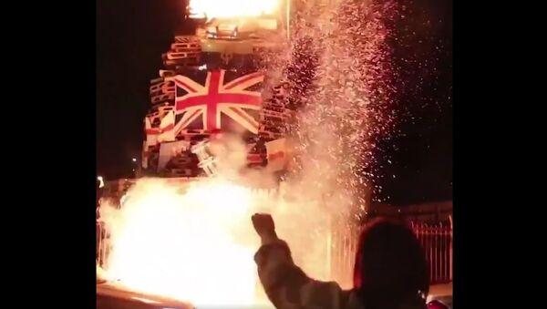 Union Jacks and Ulster Banners burn in Bogside bonfire - Sputnik International