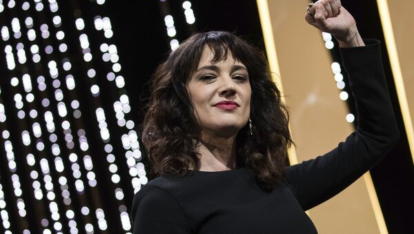 Actress Asia Argento gestures on stage during the closing ceremony of the 71st international film festival, Cannes, southern France, Saturday, May 19, 2018 - Sputnik International