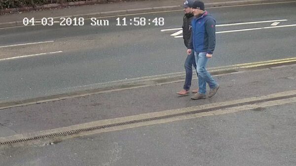 Alexander Petrov and Ruslan Boshirov, who were formally accused of attempting to murder former Russian spy Sergei Skripal and his daughter Yulia in Salisbury, are seen on CCTV on Wilton Road in Salisbury on March 4, 2018 in an image handed out by the Metropolitan Police in London, Britain September 5, 2018 - Sputnik International