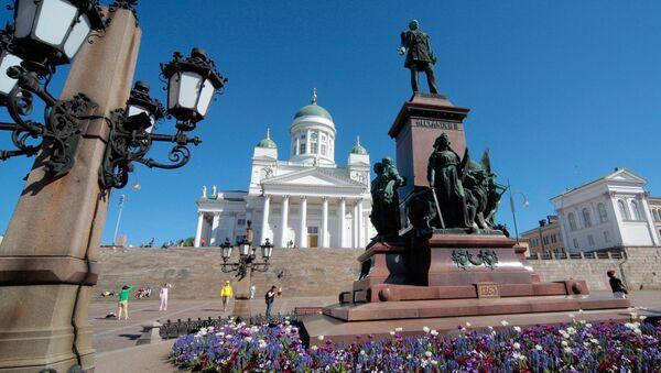 Finland. Helsinki. Monument to Emperor Alexander II on the Cathedral square. - Sputnik International
