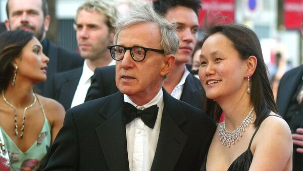 American director Woody Allen and his wife Soon-Yi Previn arrive for the screening of Match Point directed by Woody Allen, at the 58th international Cannes film festival, southern France, Thursday, May 12, 2005 - Sputnik International