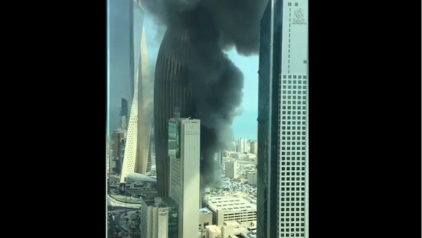 Fire rages at the National Bank of Kuwait headquarters in Kuwait City - Sputnik International
