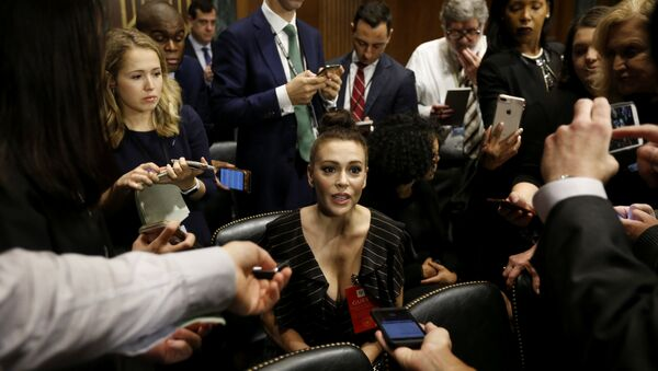 Actress Alyssa Milano is seen ahead of a Senate Judiciary Committee hearing of Dr. Christine Blasey Ford at the Capitol Hill in Washington, U.S., September 27, 2018 - Sputnik International