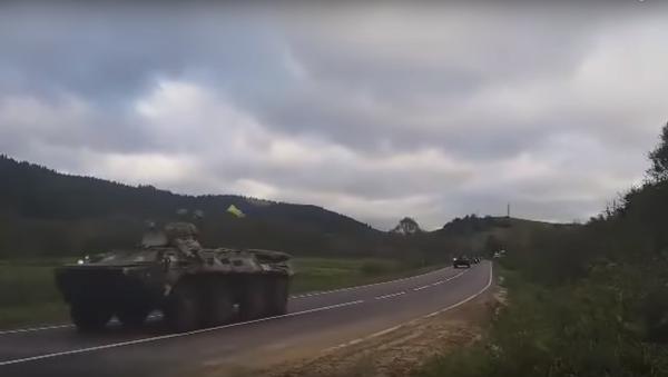 Column of troops in Zakarpattia, western Ukraine. - Sputnik International